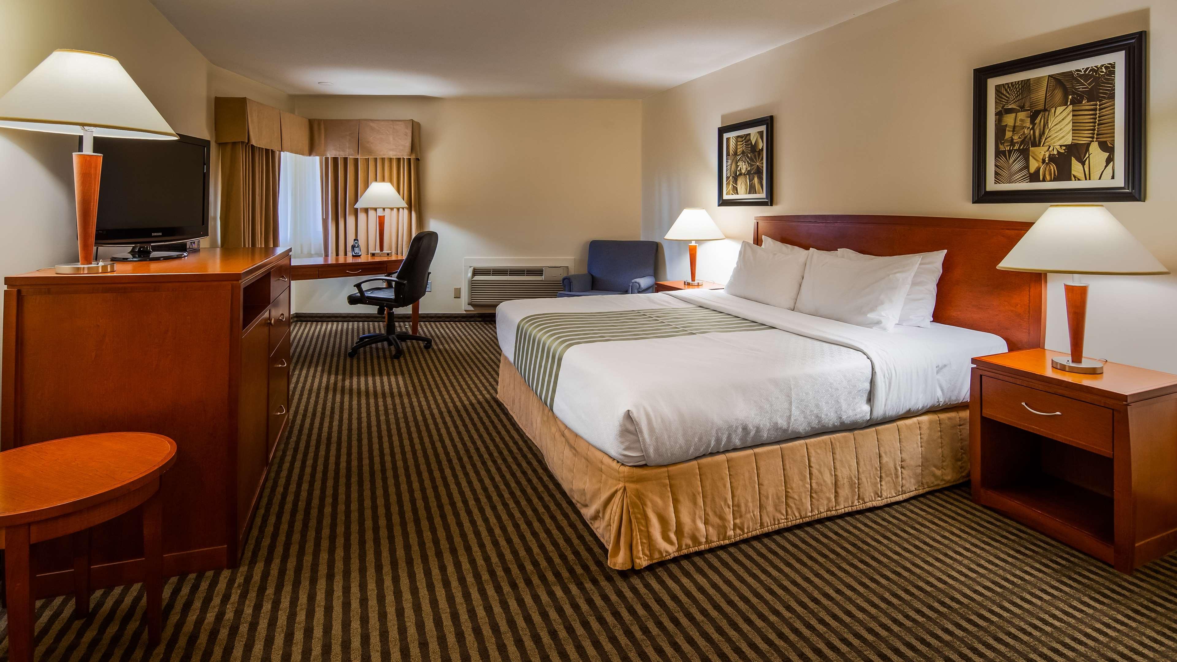 Surestay Hotel By Best Western Chilliwack in Chilliwack: King Guest Room