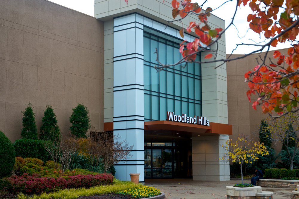 Woodland Hills Mall, Tulsa. 38K likes. Woodland Hills Mall is a two-level, super regional shopping center, with more than stores including over 60 /5(K).