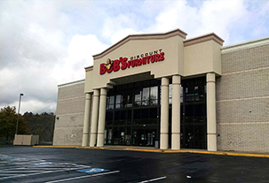 Bob 39 s discount furniture in monroeville pa 15146 for Affordable furniture pittsburgh