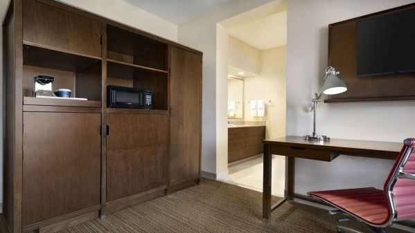 Four Points by Sheraton Raleigh North, Raleigh North ...