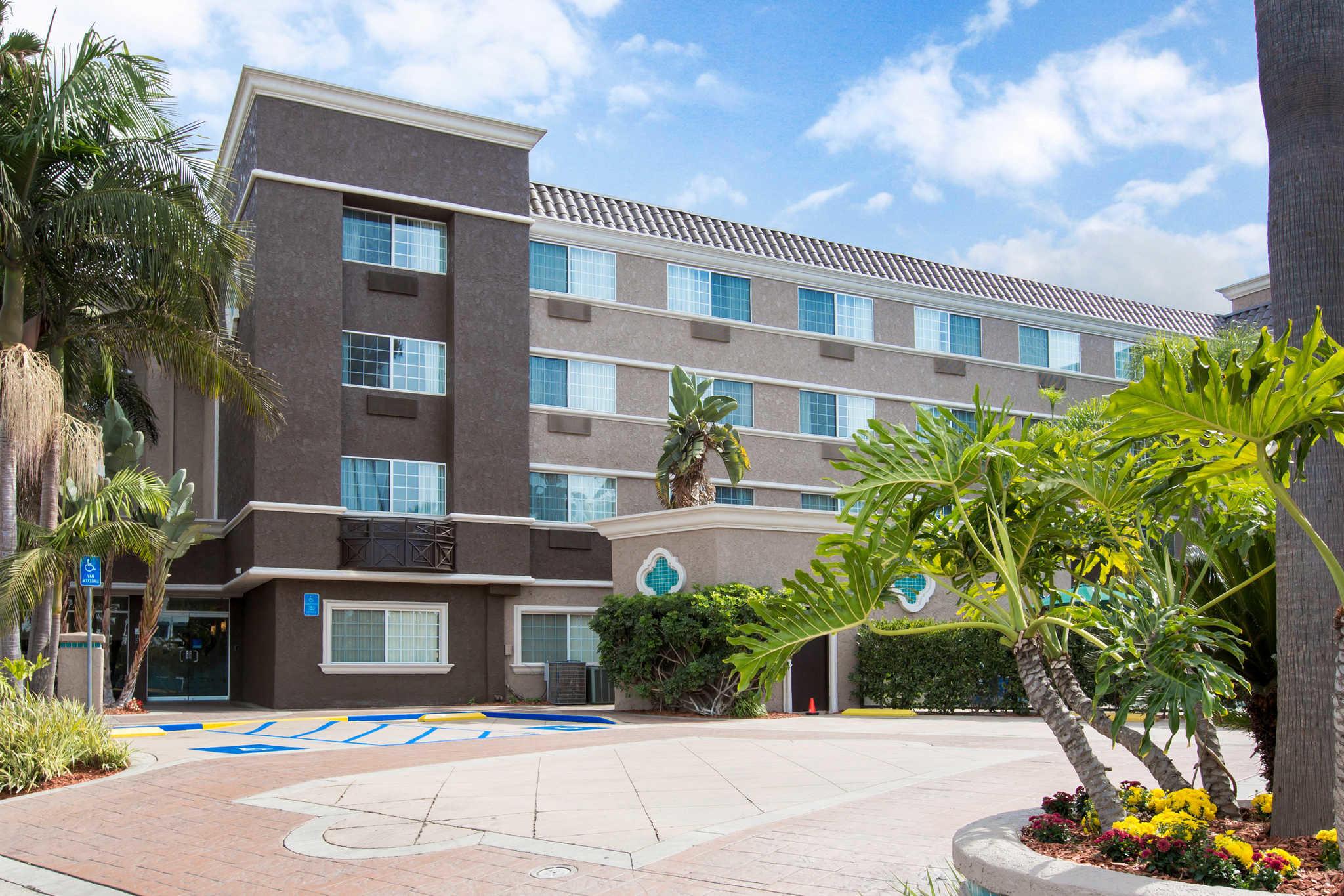 Comfort Inn & Suites San Diego - Zoo SeaWorld Area San ...