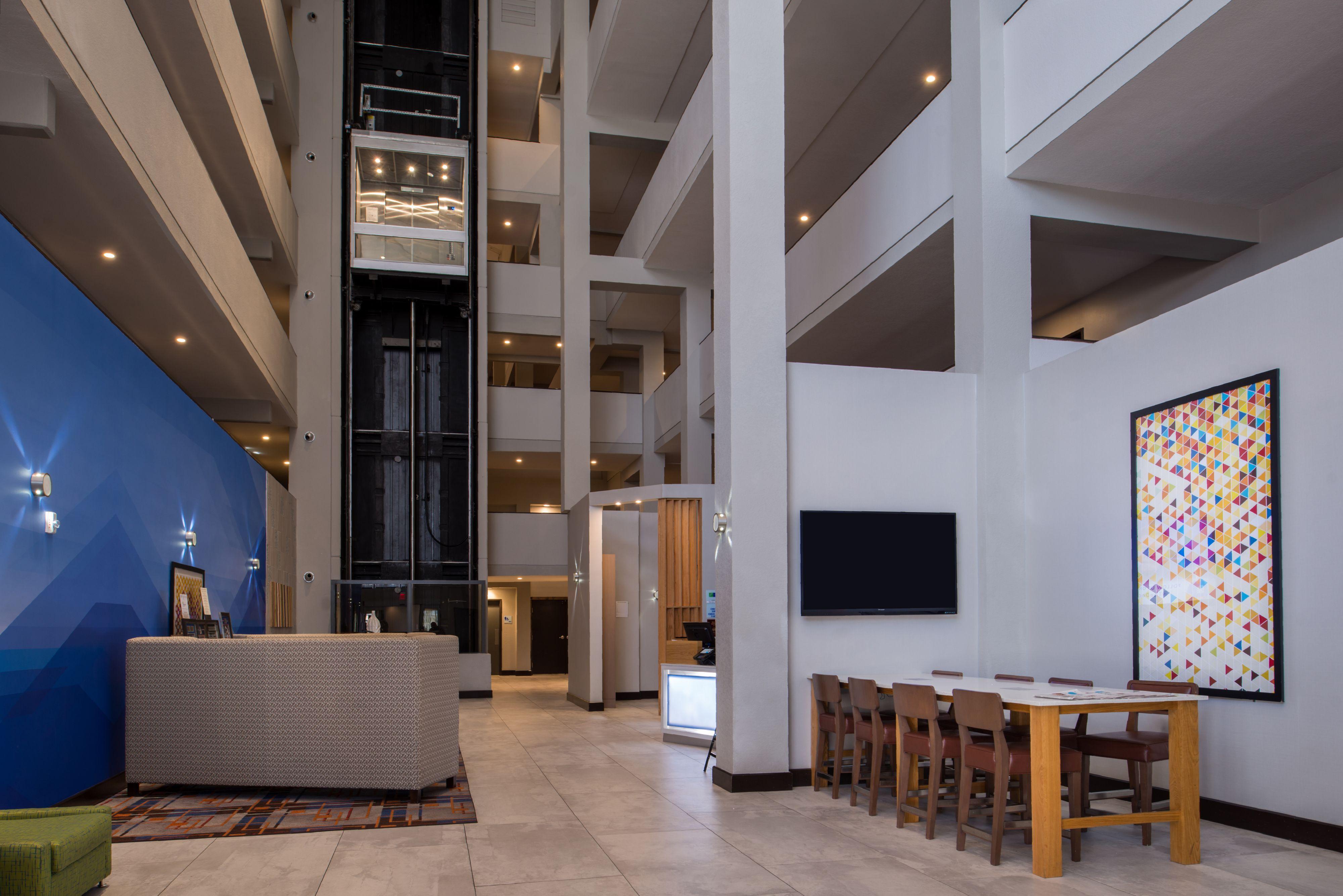 Holiday Inn Express Amp Suites San Antonio Medical Six Flags