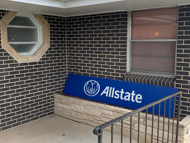 Images Donny Saunders: Allstate Insurance