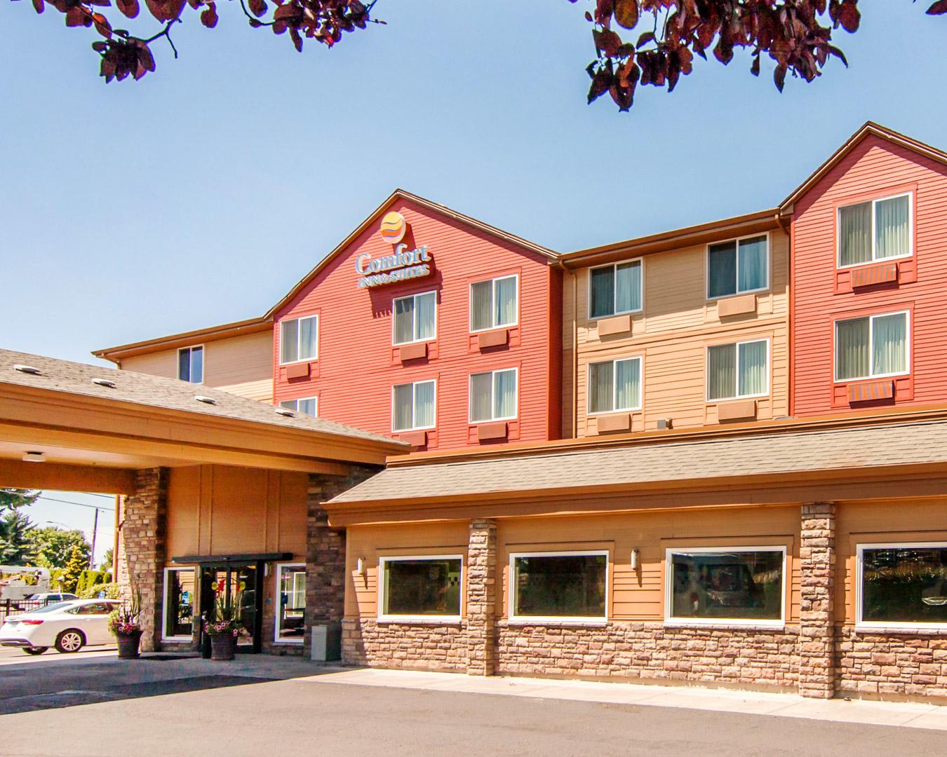 Comfort Inn & Suites Portland Airport in Portland, OR ...