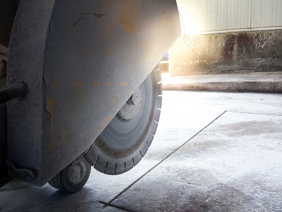 Concrete Cutting For Walls And Floors  Easy solution for removal projects Precise and accurate cuts Preserve the integrity of surrounding structures Quick, efficient and economical service