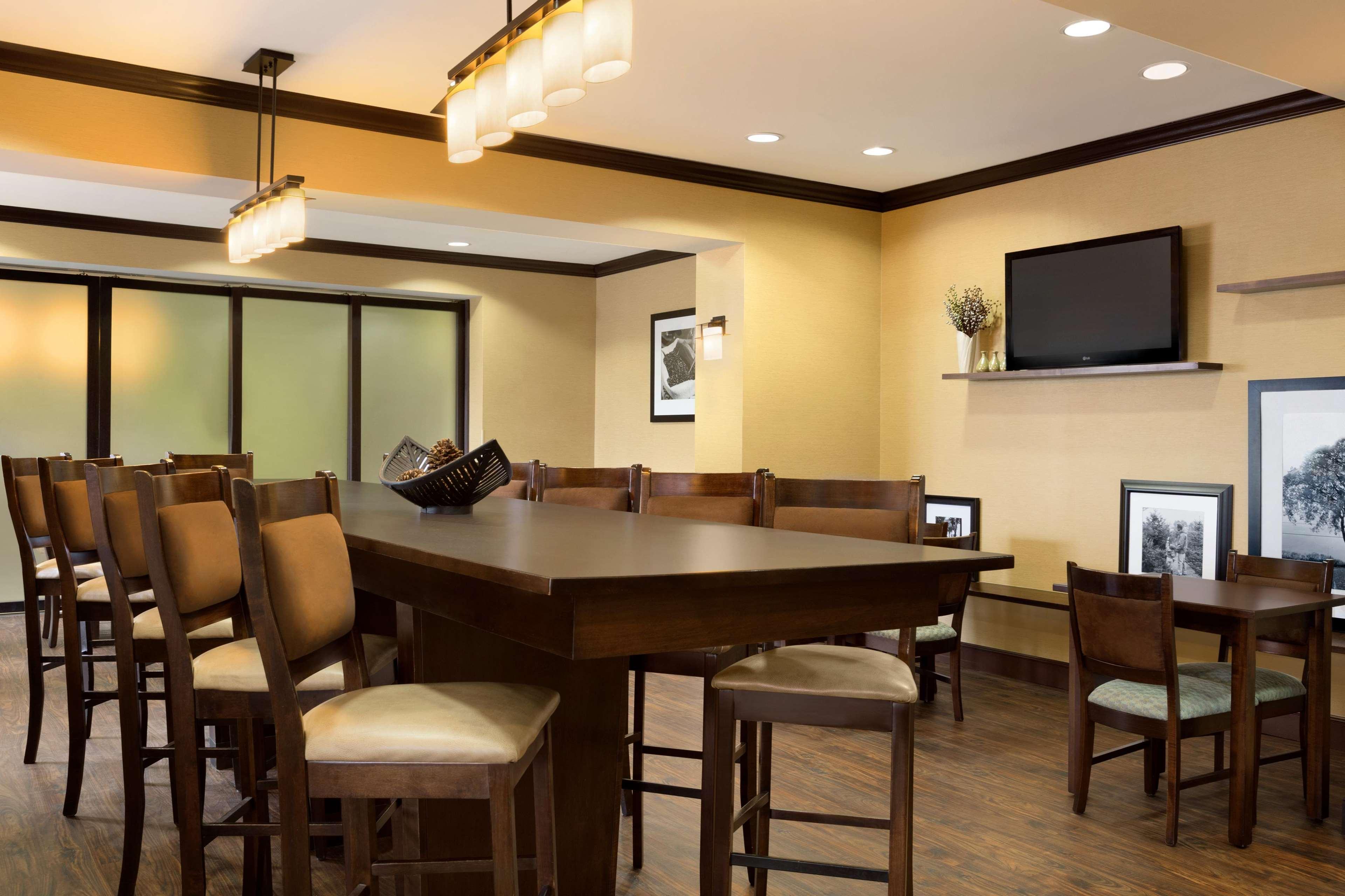 hampton inn stow stow ohio oh. Black Bedroom Furniture Sets. Home Design Ideas