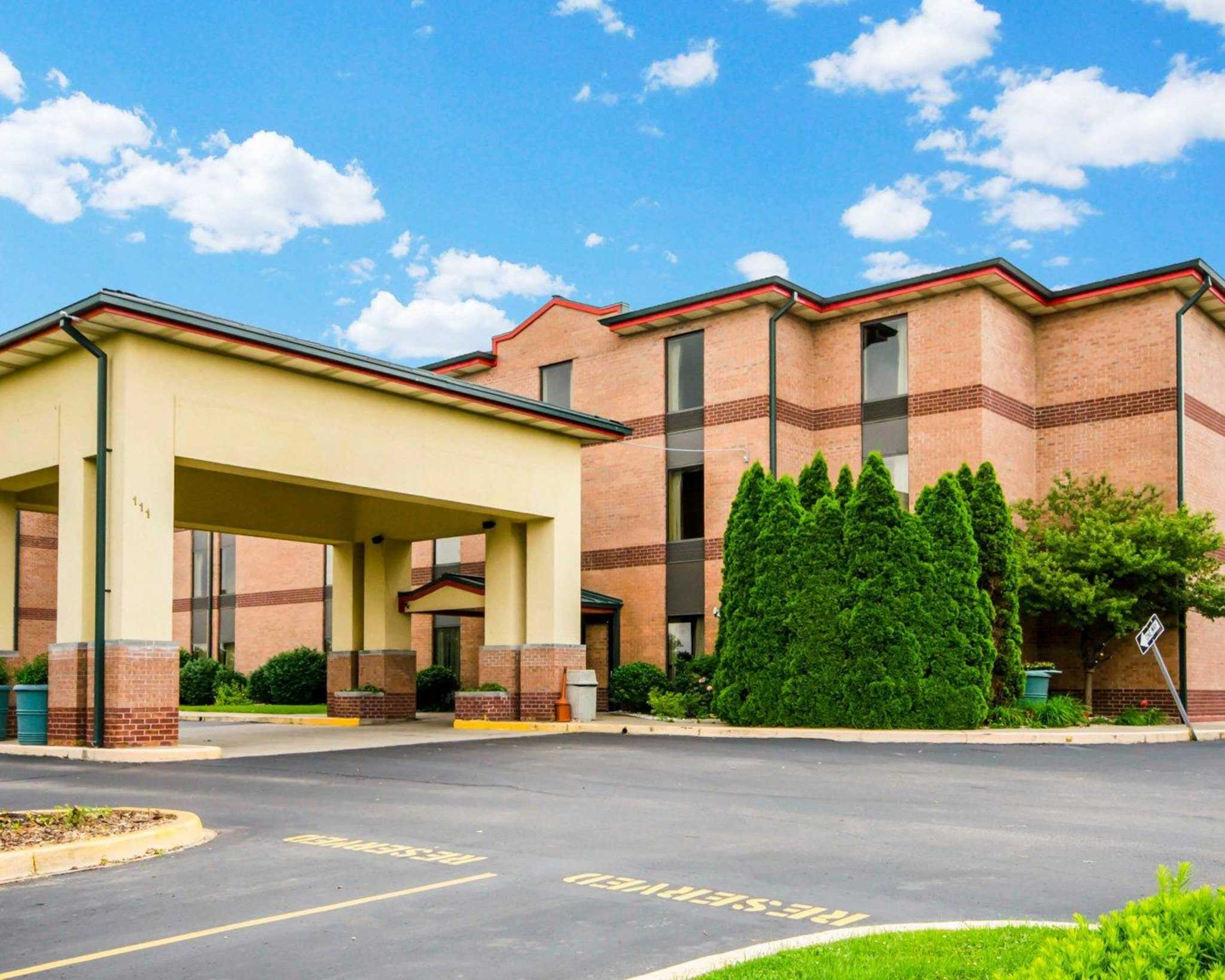 Quality inn suites coupons near me in sellersburg 8coupons for Hotels 8 near me
