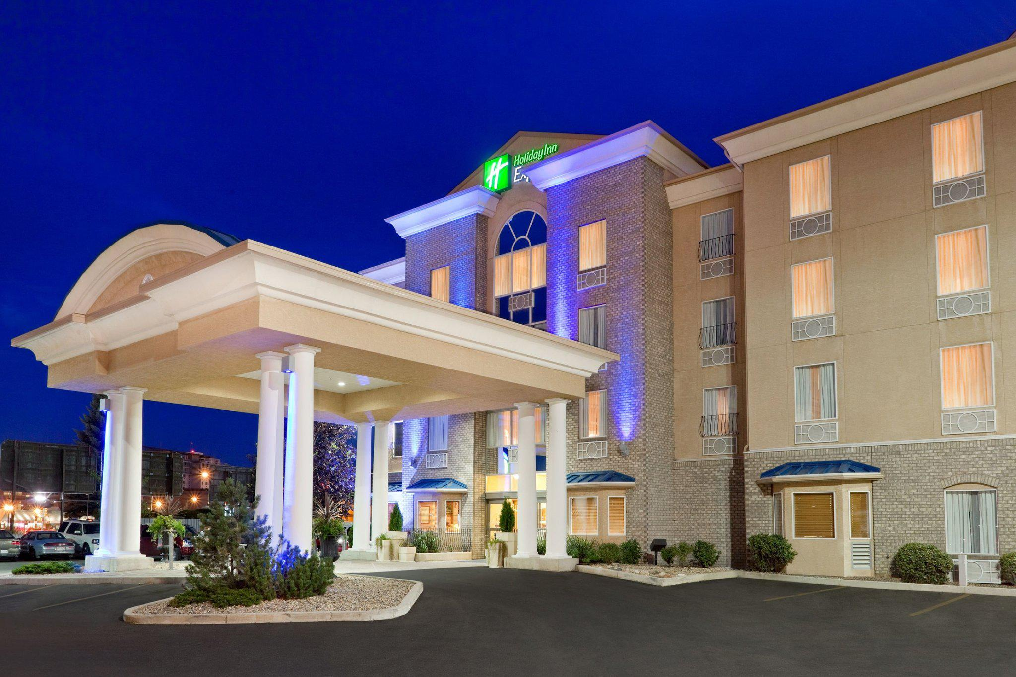 Holiday Inn Express & Suites Saskatoon Centre in Saskatoon