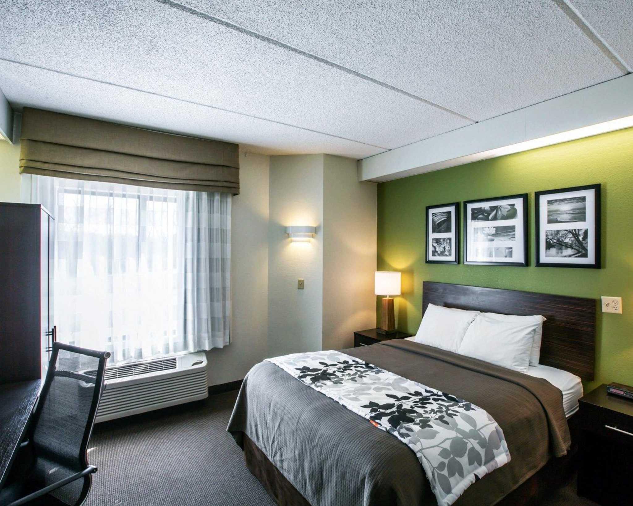 Sleep Inn - Sevierville, TN 37862 - (865)429-0484   ShowMeLocal.com