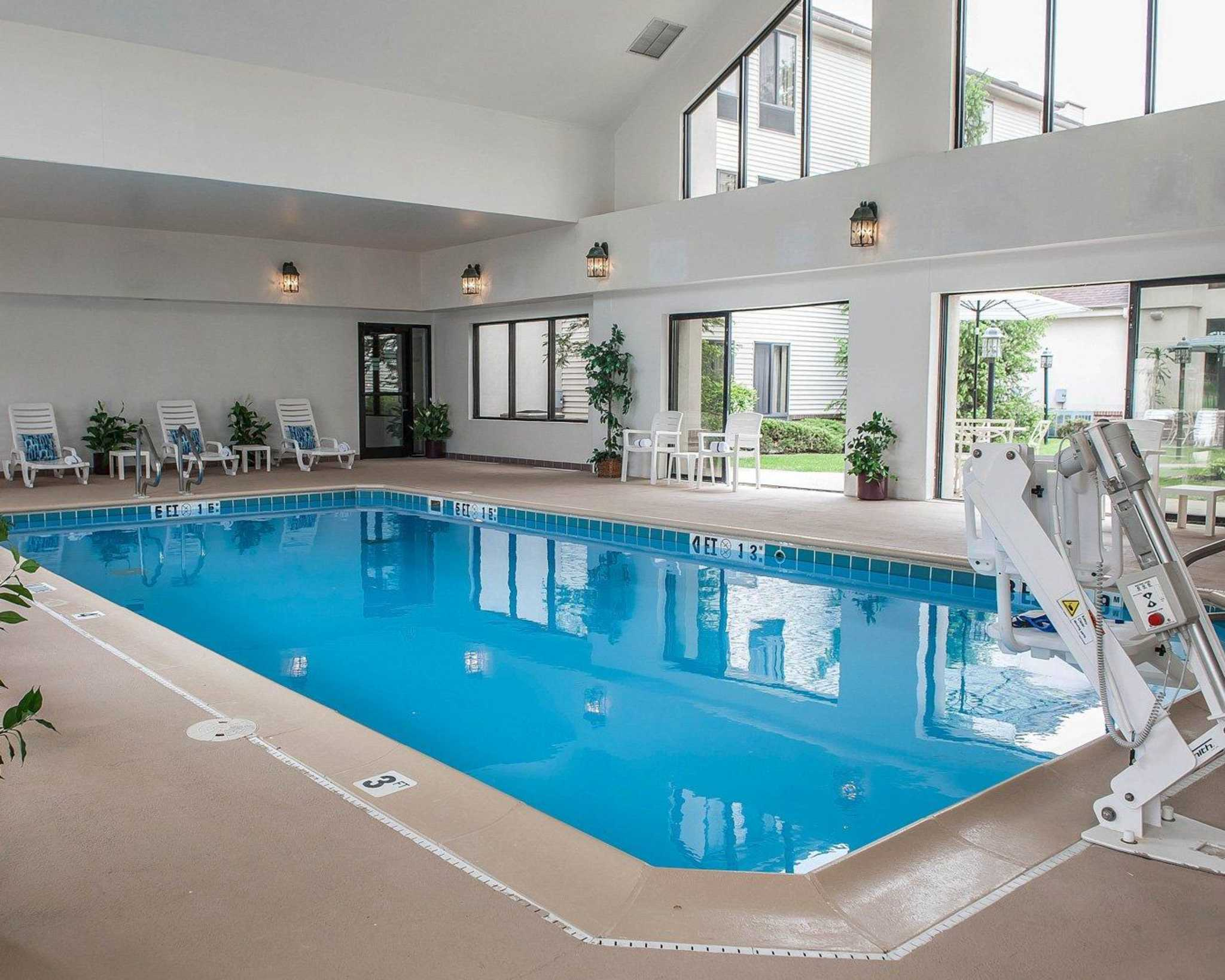 comfort inn suites warsaw indiana in