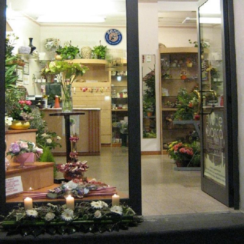 Fiorarte fioristi coccaglio italia tel 0307721 for Arredi giardino brescia cazzago san martino bs