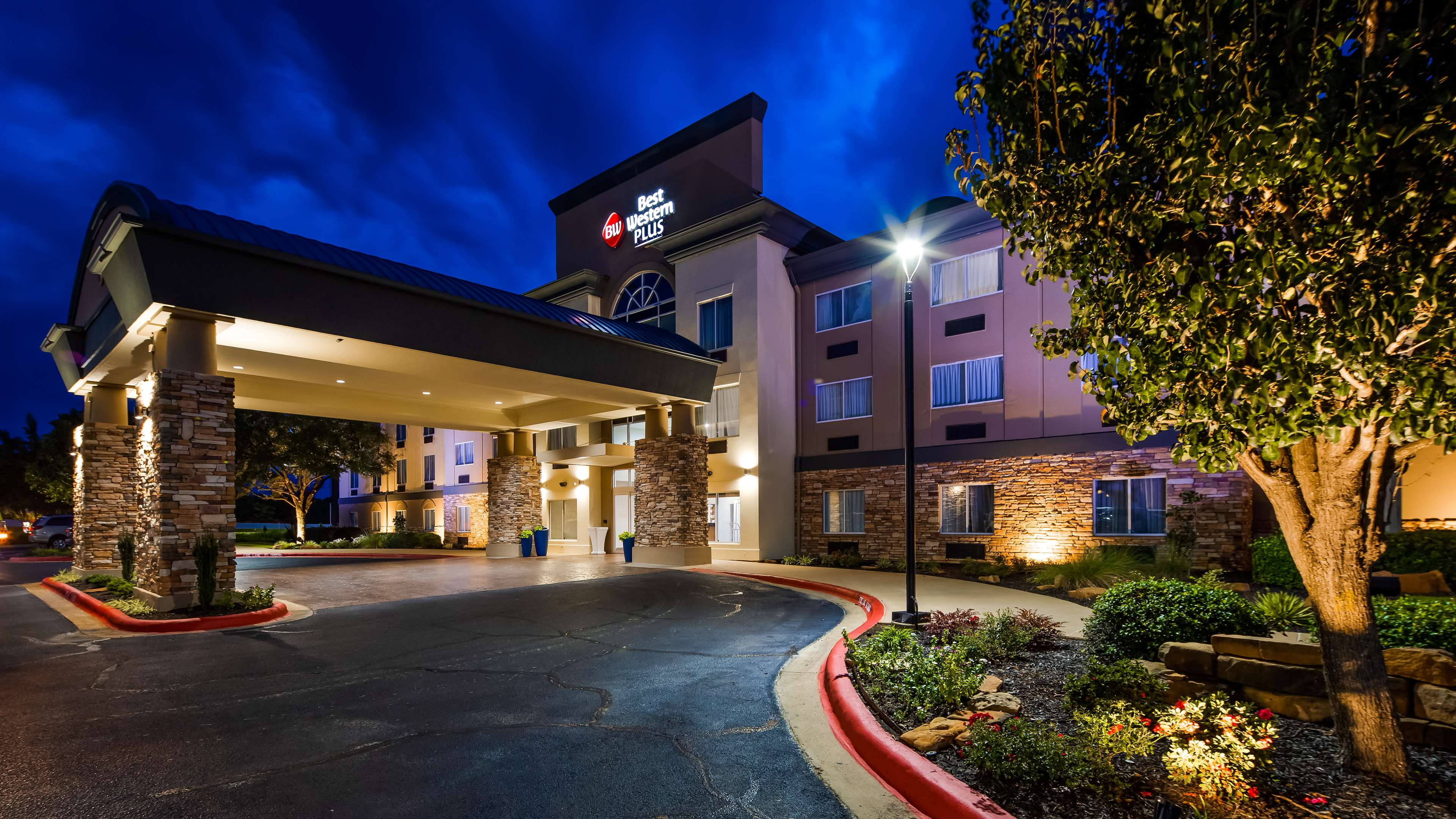 Welcome to the Best Western Plus Longview South Hotel!