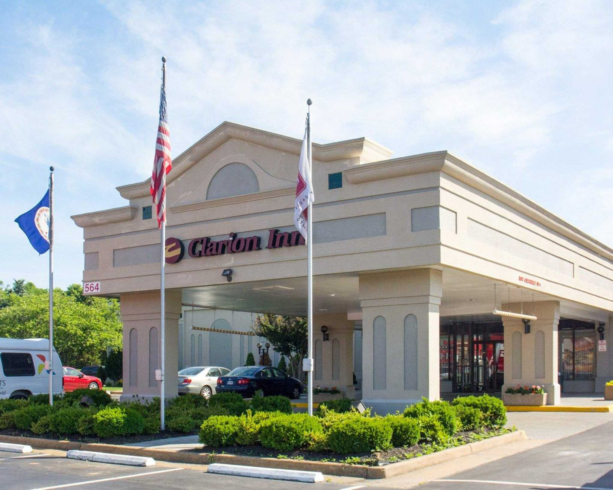 Pet Friendly Hotels Fredericksburg Va Near