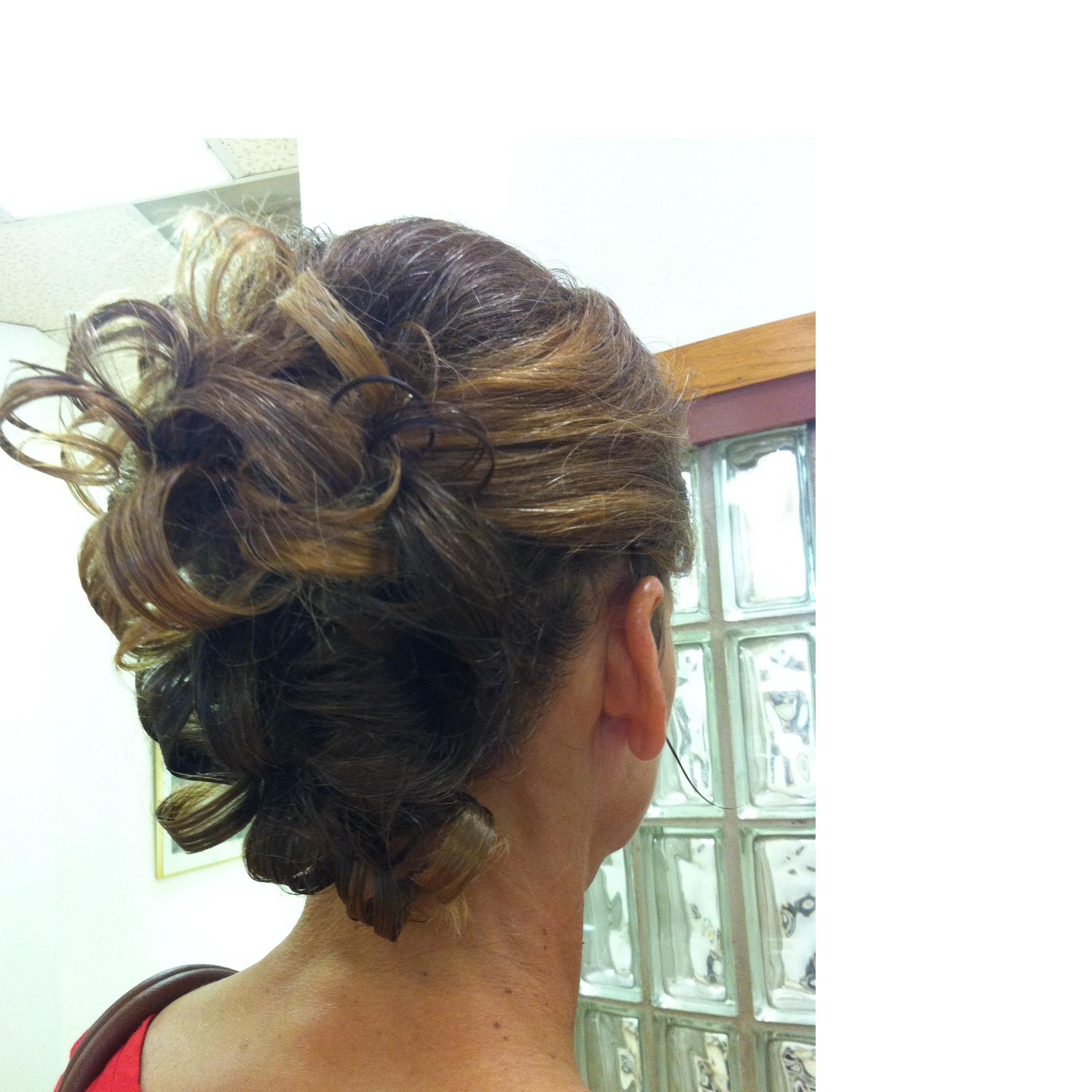 Jennifer Vo Hairdesign formely owner of Family HairCare ,LLC