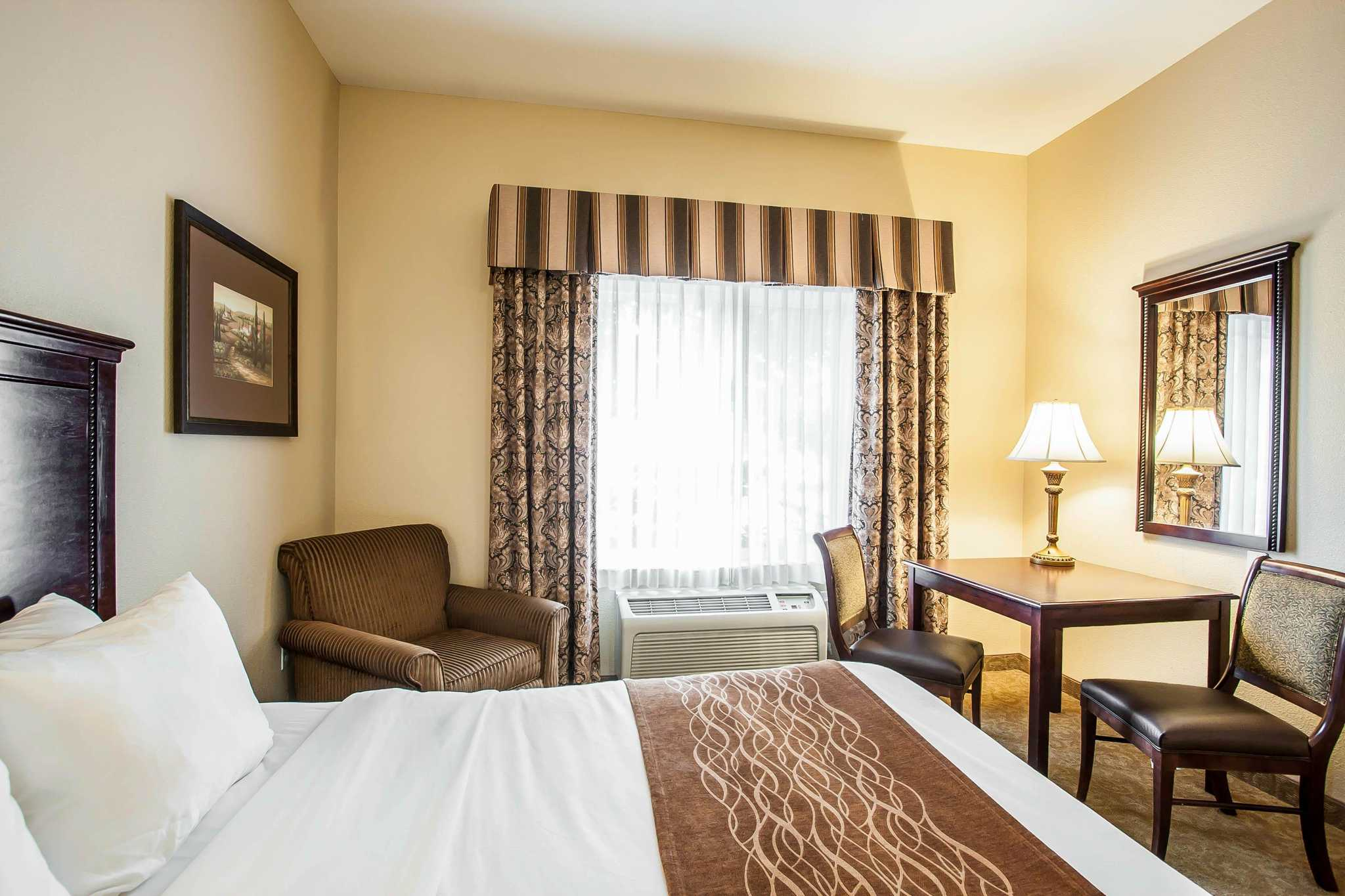 Comfort Inn Amp Suites Mcminnville Oregon Or