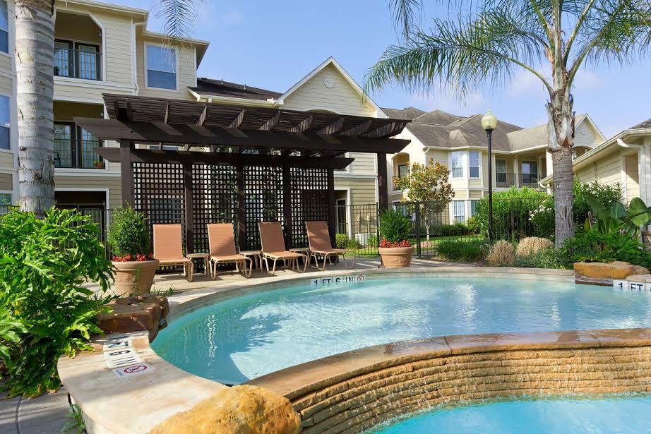 Shadow Lakes Apartments Reviews