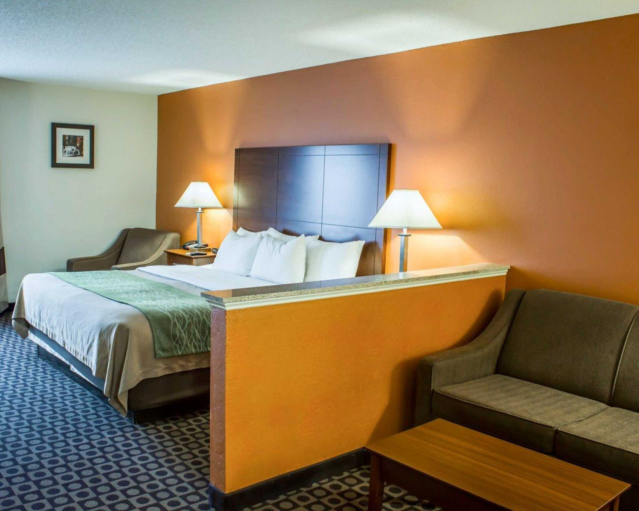 Hotels In Fayetteville Nc With Hot Tub In Room