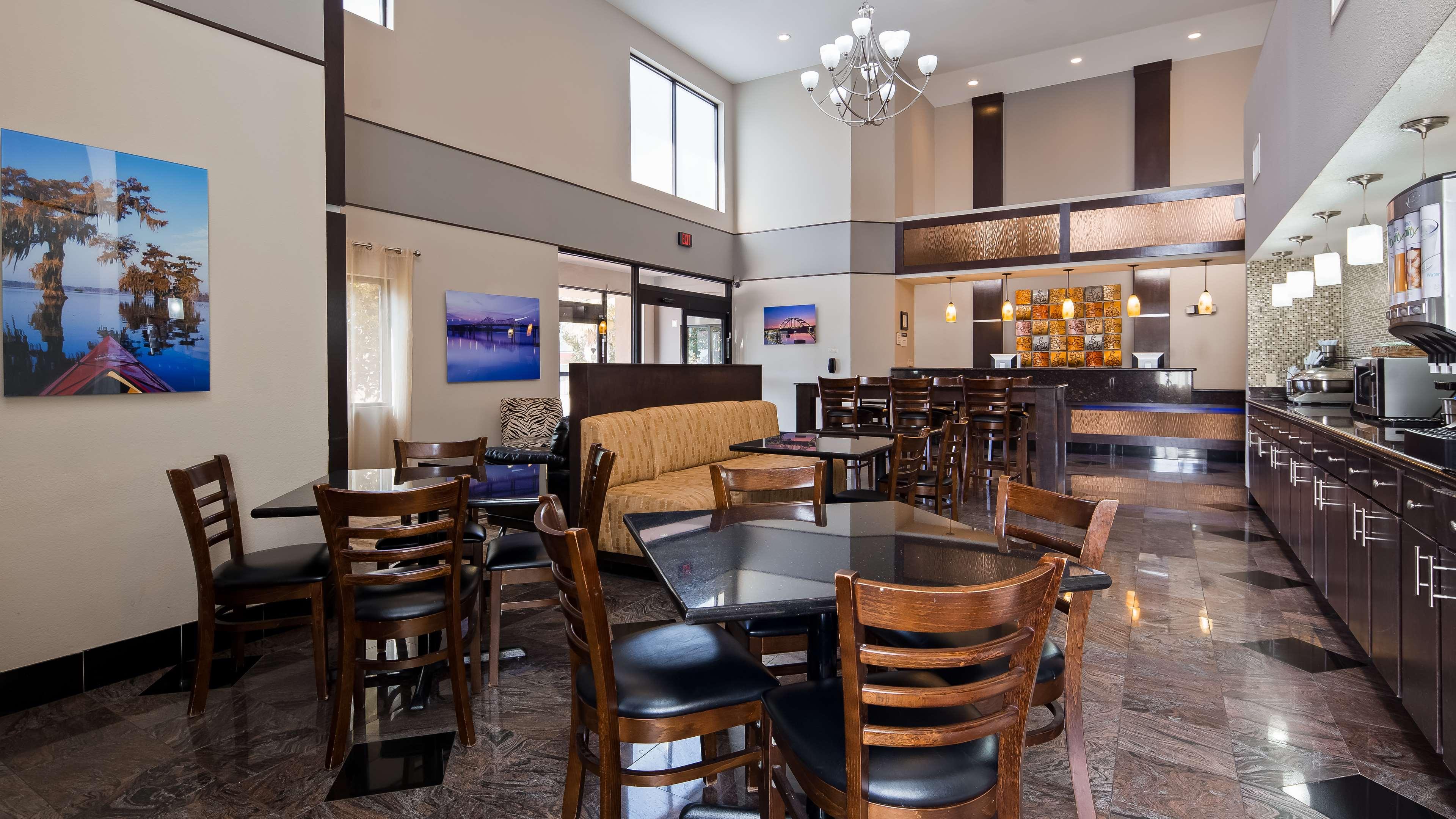 Best Western Bayou Inn Amp Suites Lake Charles Louisiana