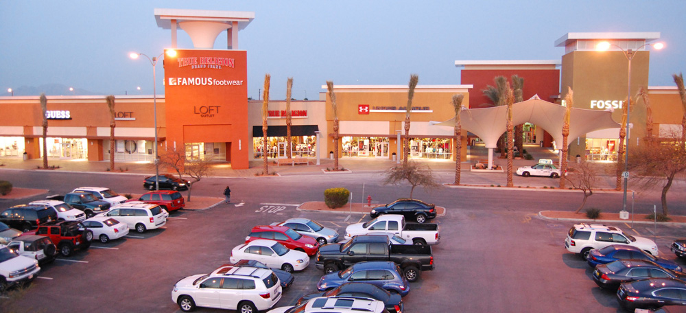 Las Vegas shopping is so rich, it needs both a Premium Outlets North and spiritmovies.ml North's stores lean toward the higher end — Cole Haan and Armani — while the South's stores include the more standard Ann Taylor and Aeropostale.