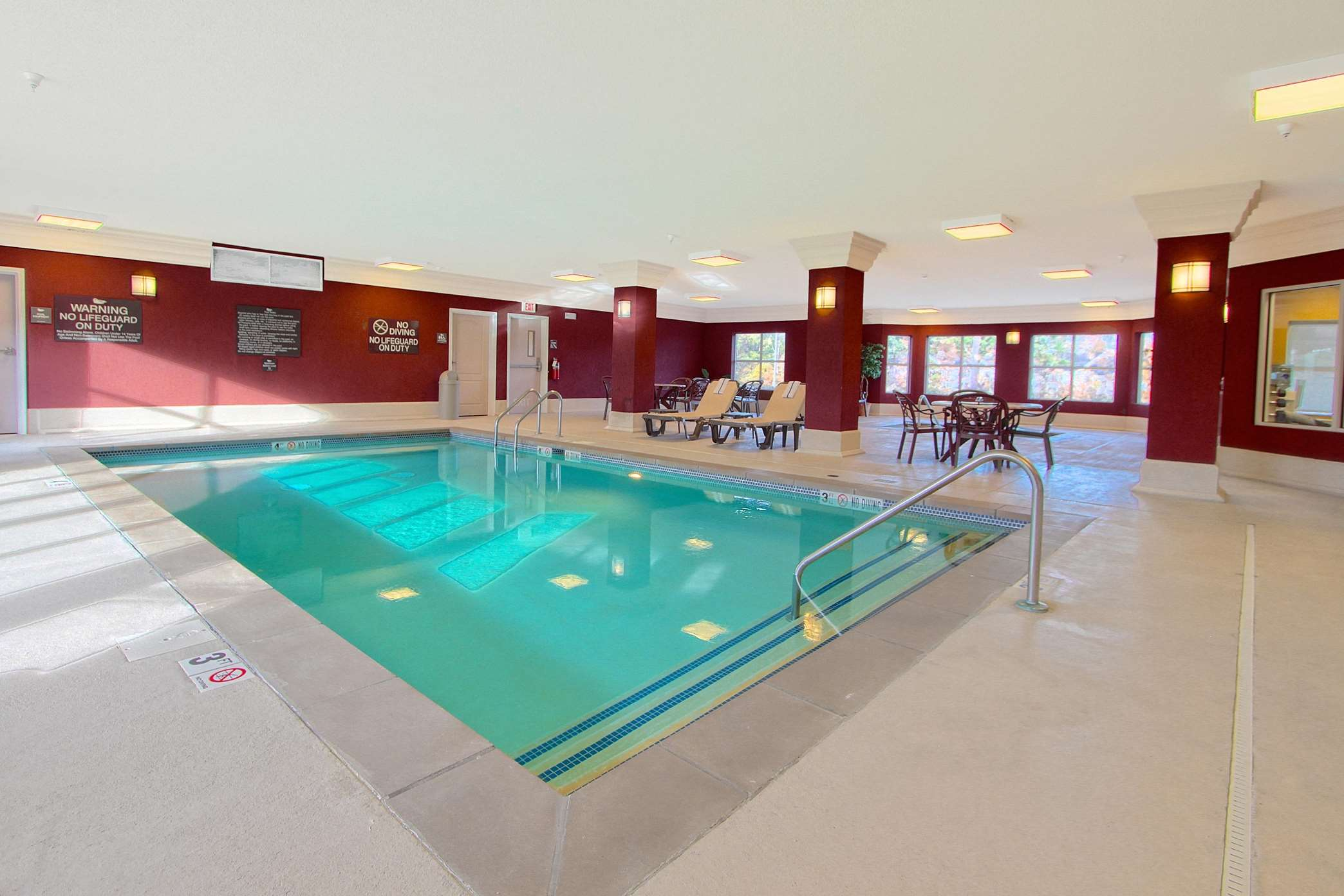 Homewood Suites By Hilton Bloomington Bloomington Indiana In