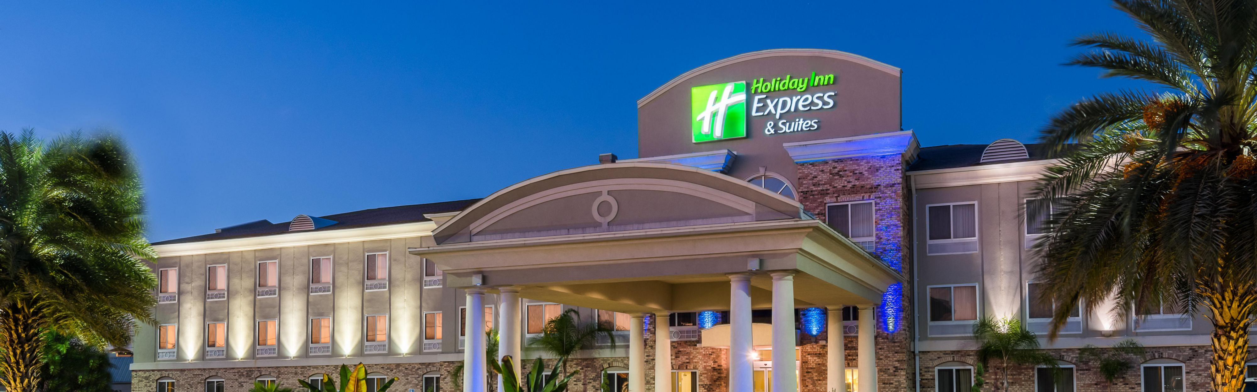 Holiday inn express suites new iberia avery island for Modern hotels near me