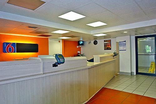 Motel 6 Houston West - Energy Corridor image 4