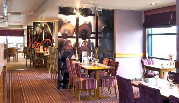 Premier Inn Glasgow Newton Mearns M77 J4