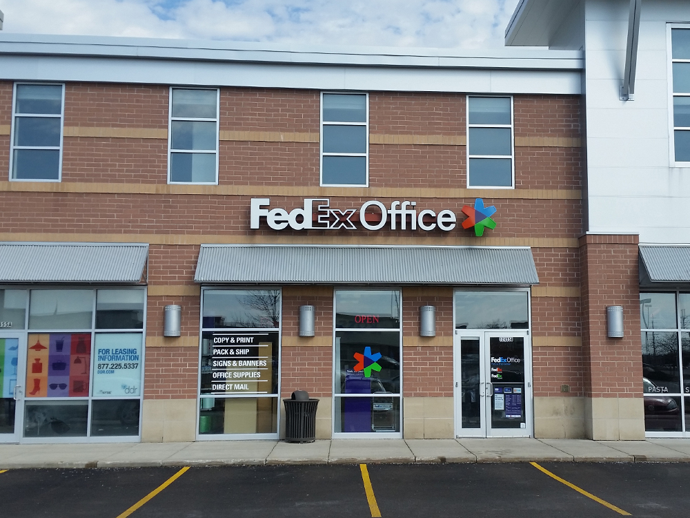Fedex office print ship center brookfield wisconsin wi for Fedex color printing per page