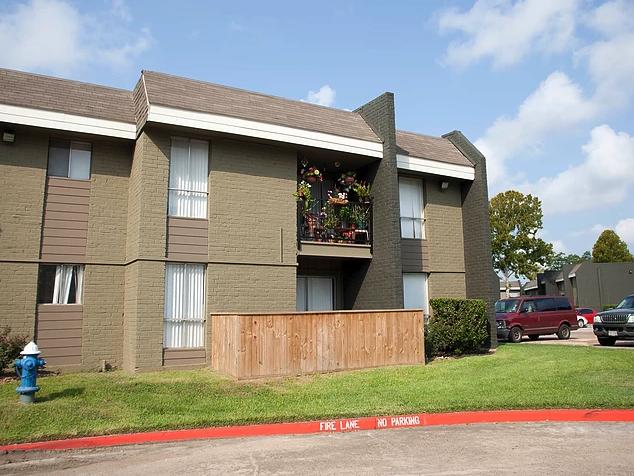 Ravenwood Apartments Houston Tx