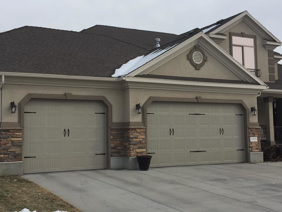 Garage door service syracuse utah ut for Garage door repair roy utah