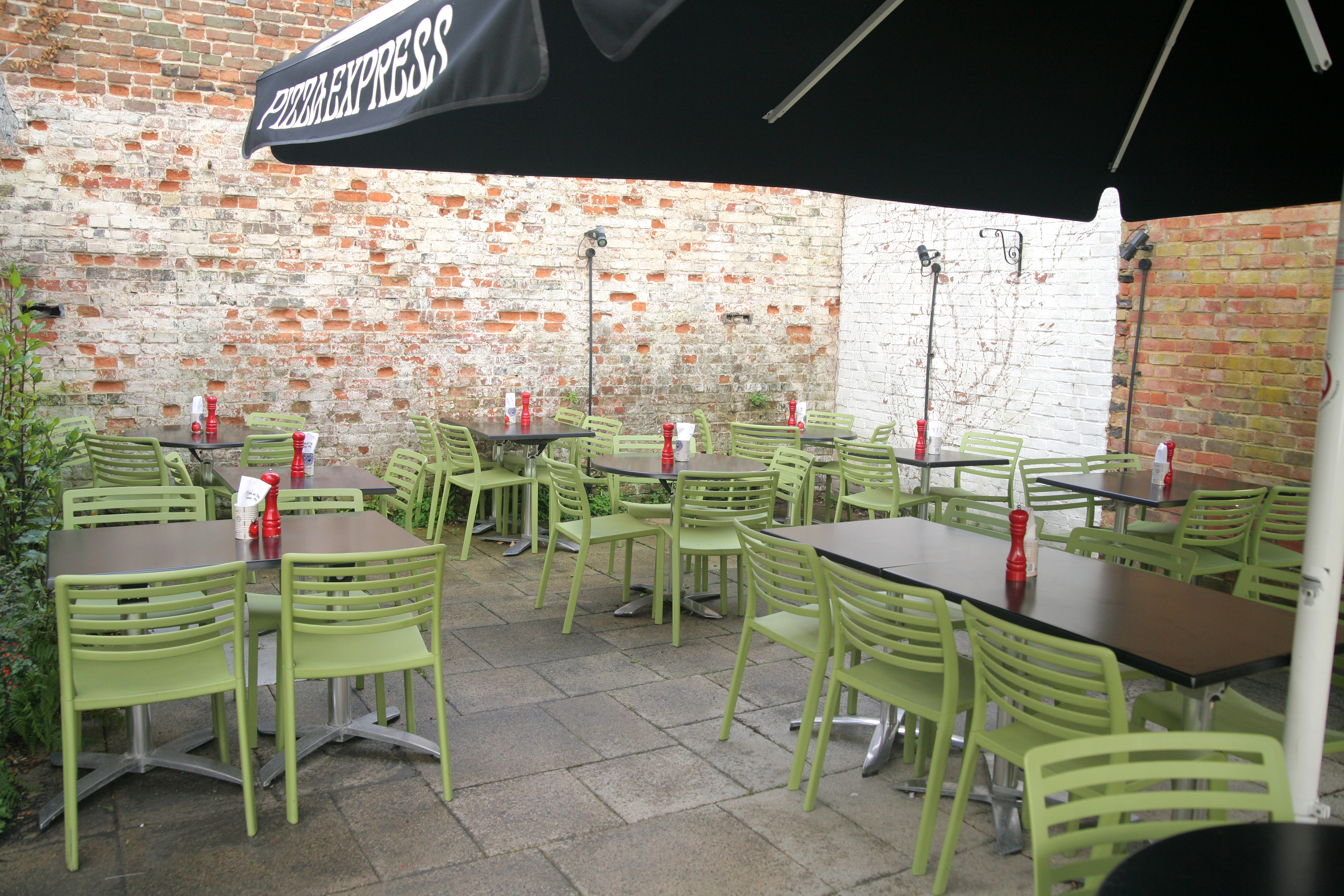 Pizza Express Arundel 01903 885467