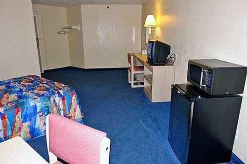 Motel 6 Buffalo - Amherst image 6