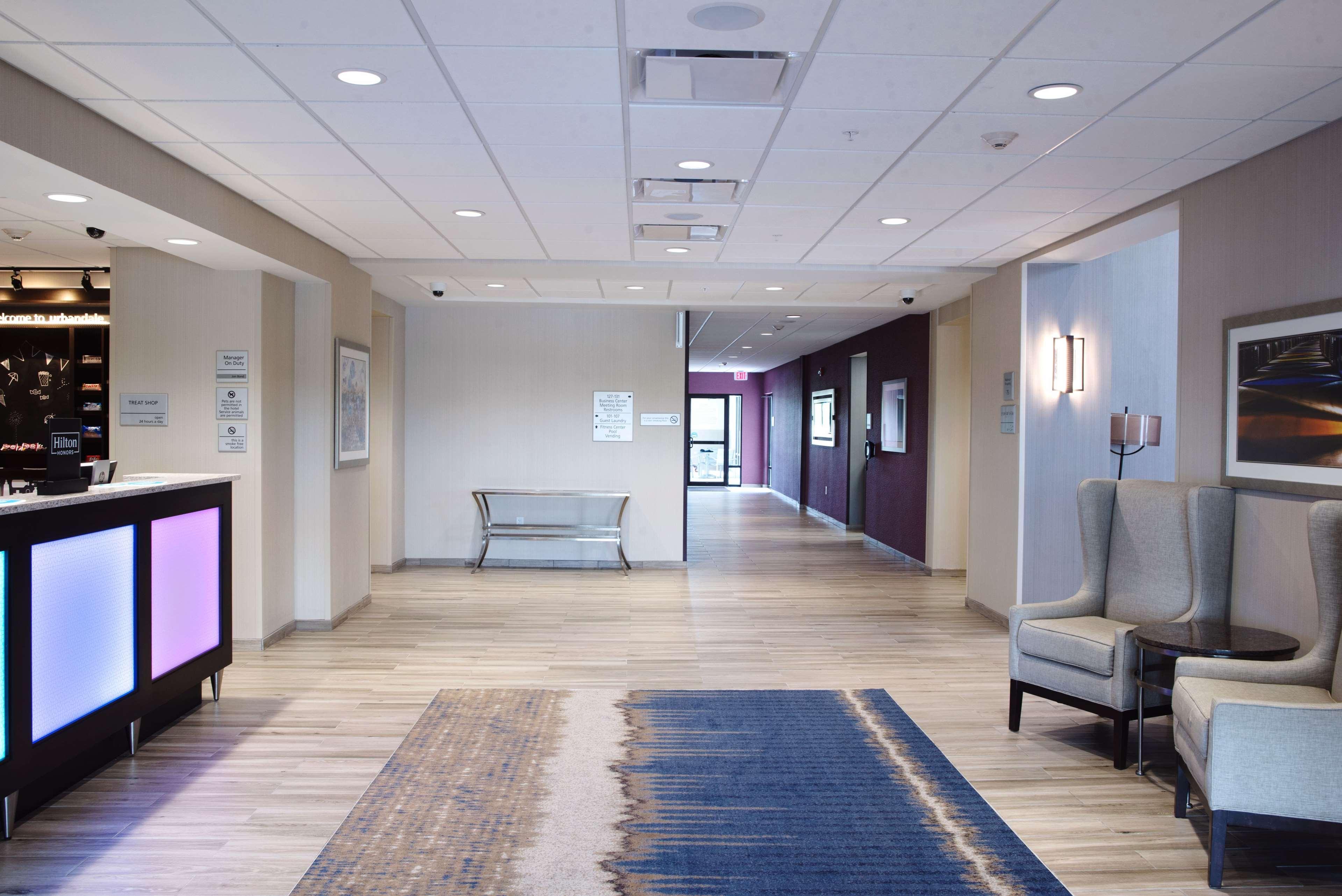 Hampton inn suites des moines urbandale urbandale iowa ia for Urbandale indoor swimming pool hours