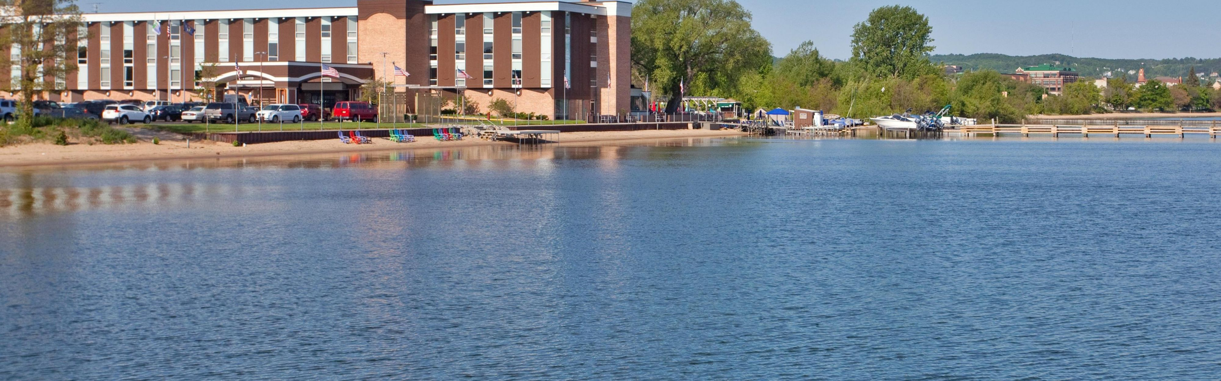 Hotels And Motels In Traverse City Michigan