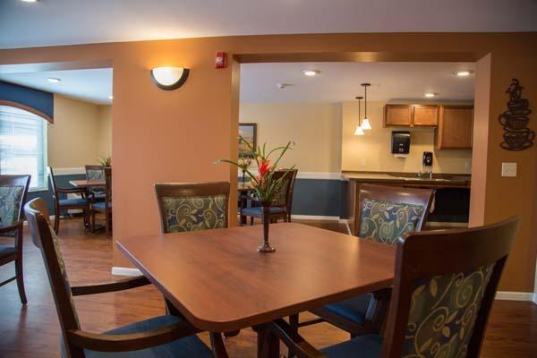 maple hill senior personals Maple hill senior living located in maplewood mn with service to surrounding cities, is an assisted living, alzheimer's care, independent living facility.
