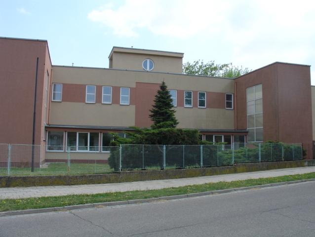 Základní škola a Mateřská škola Kroměříž, F. Vančury