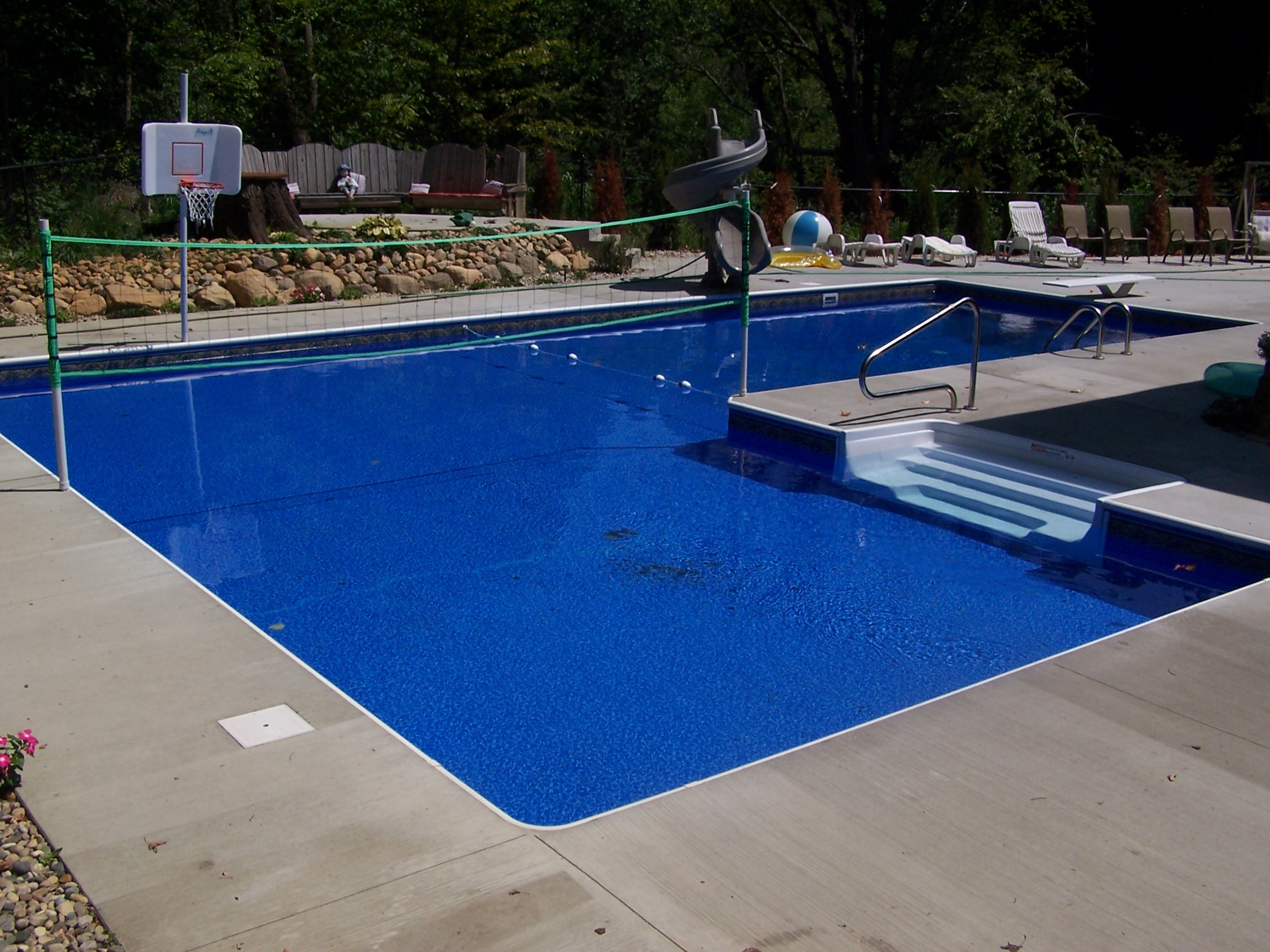 Cove pools in grand rapids mi swimming pool contractors for Swimming pool dealers