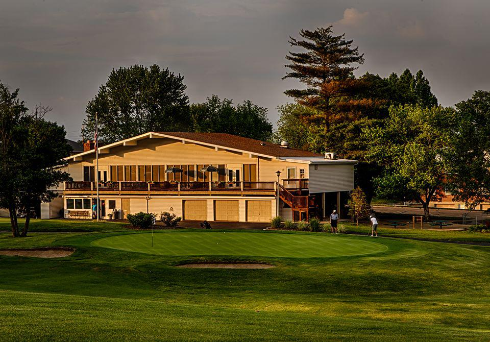 Four Seasons Country Club - Chesterfield