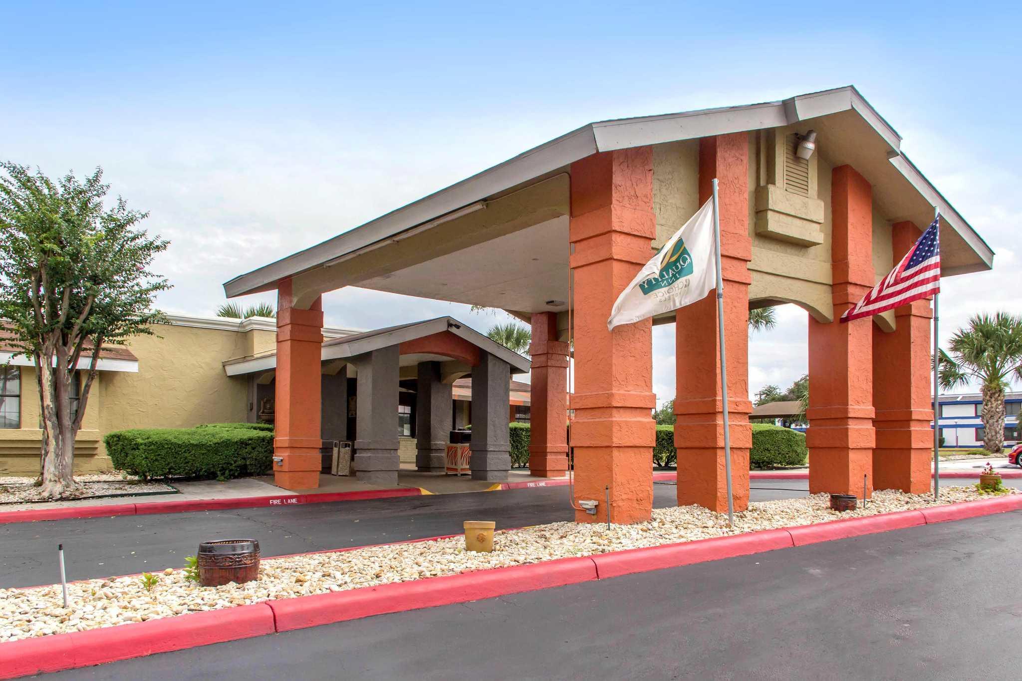 Hotels Near Fort Sam
