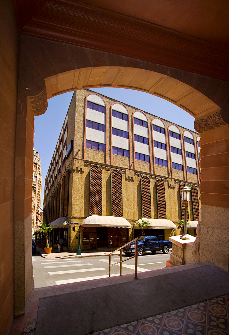 Riverwalk Plaza Hotel & Suites, San Antonio: Read reviews and check rates for this and other hotels in San Antonio, Texas, U.S.A.. Since , HotelsTravel is the original source for San Antonio hotels and travel to Texas since