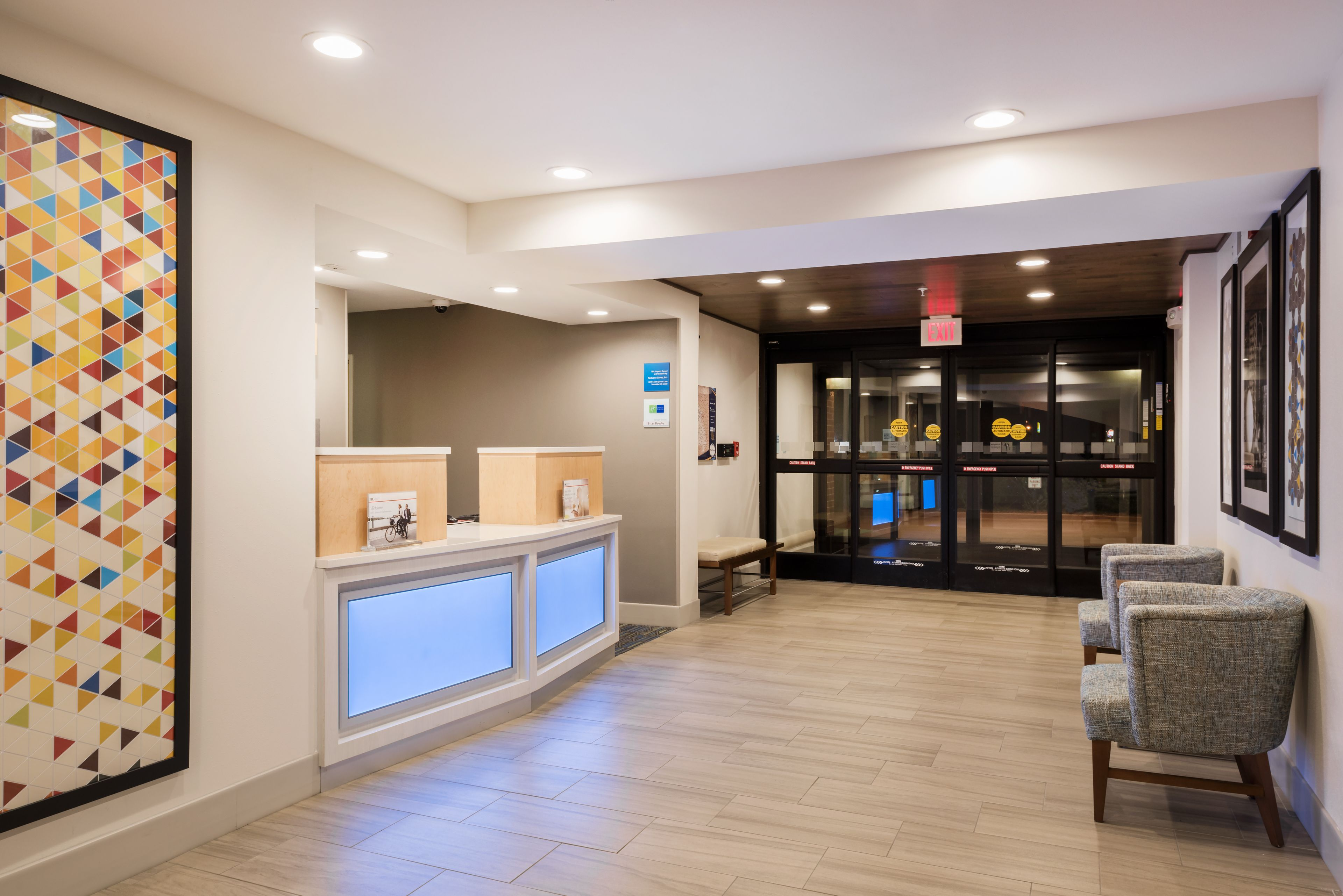 holiday inn express warrenton in warrenton mo hotels. Black Bedroom Furniture Sets. Home Design Ideas