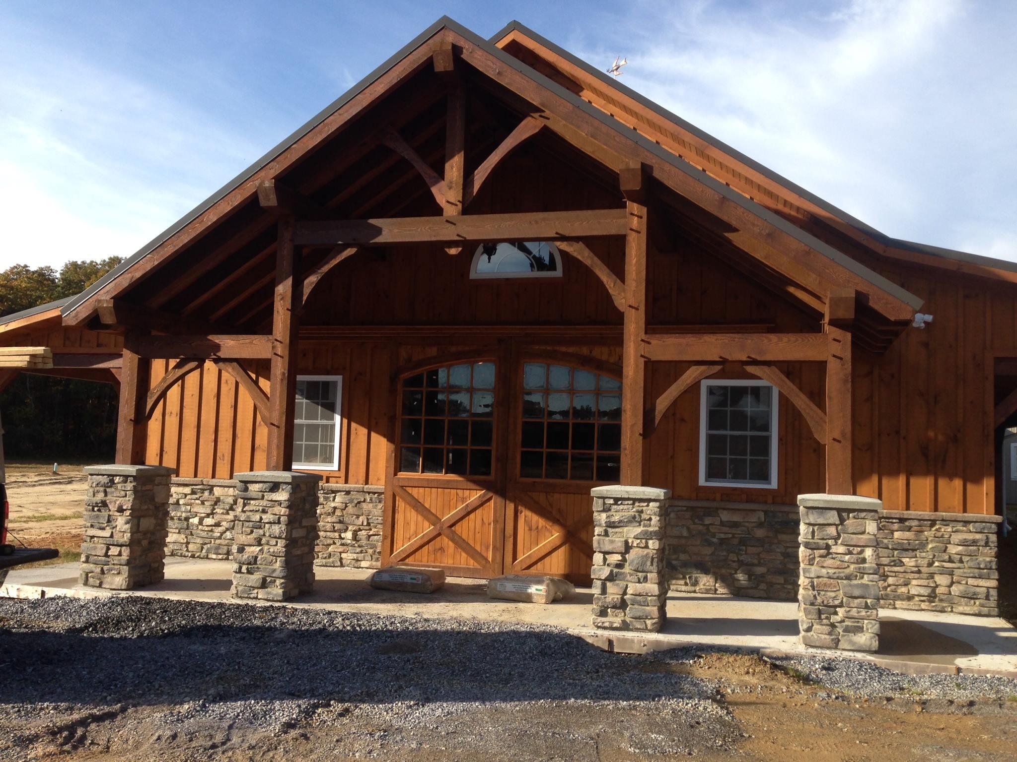 Horse barn builders llc in gettysburg pa 17325 for Horse barn builders