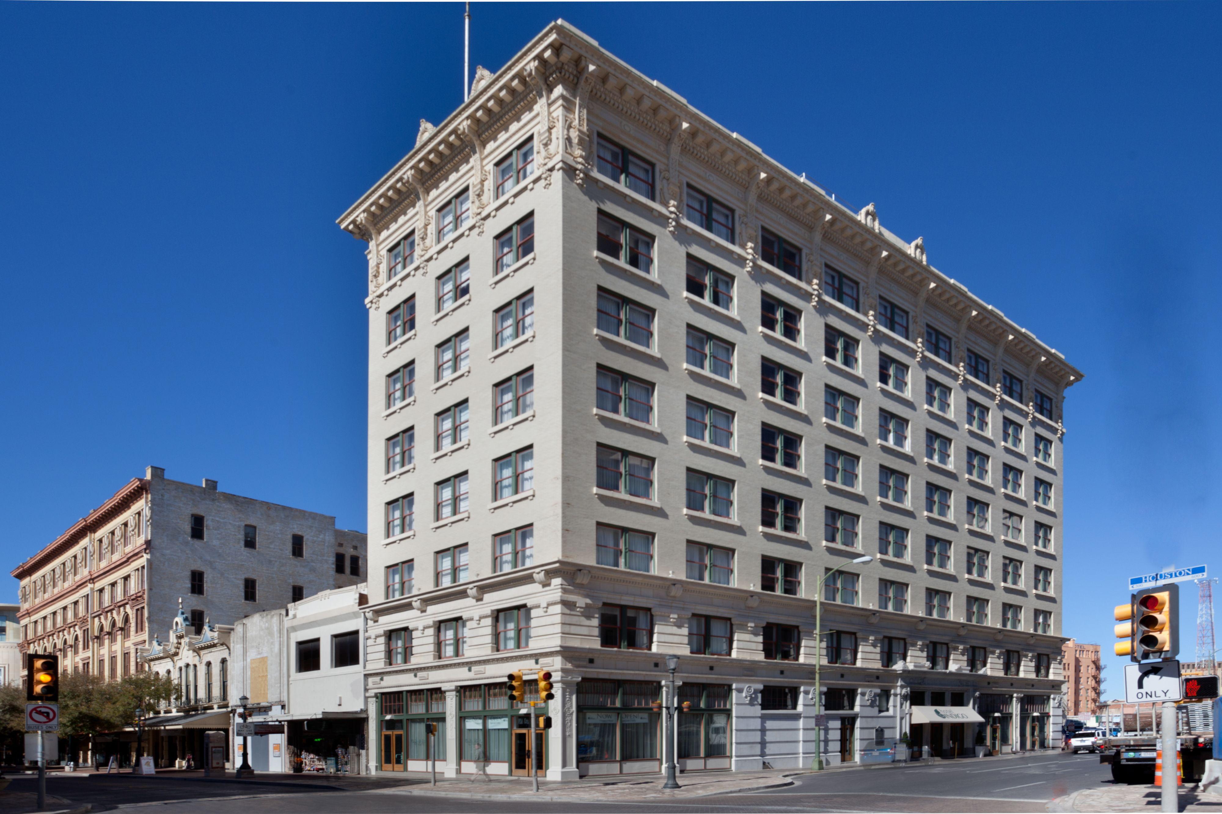 Hotel Indigo San Antonio Downtown Alamo Closed In San Antonio Tx 78205