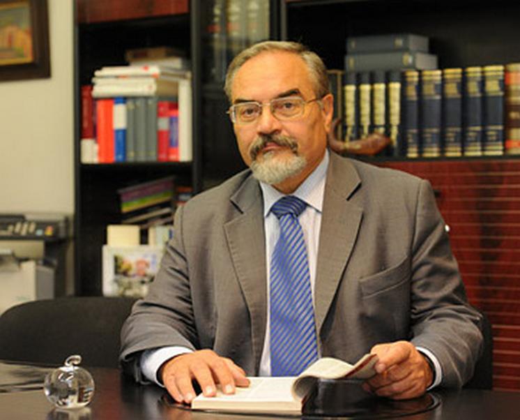 Vlček Martin JUDr., CSc. - advokát Praha 2