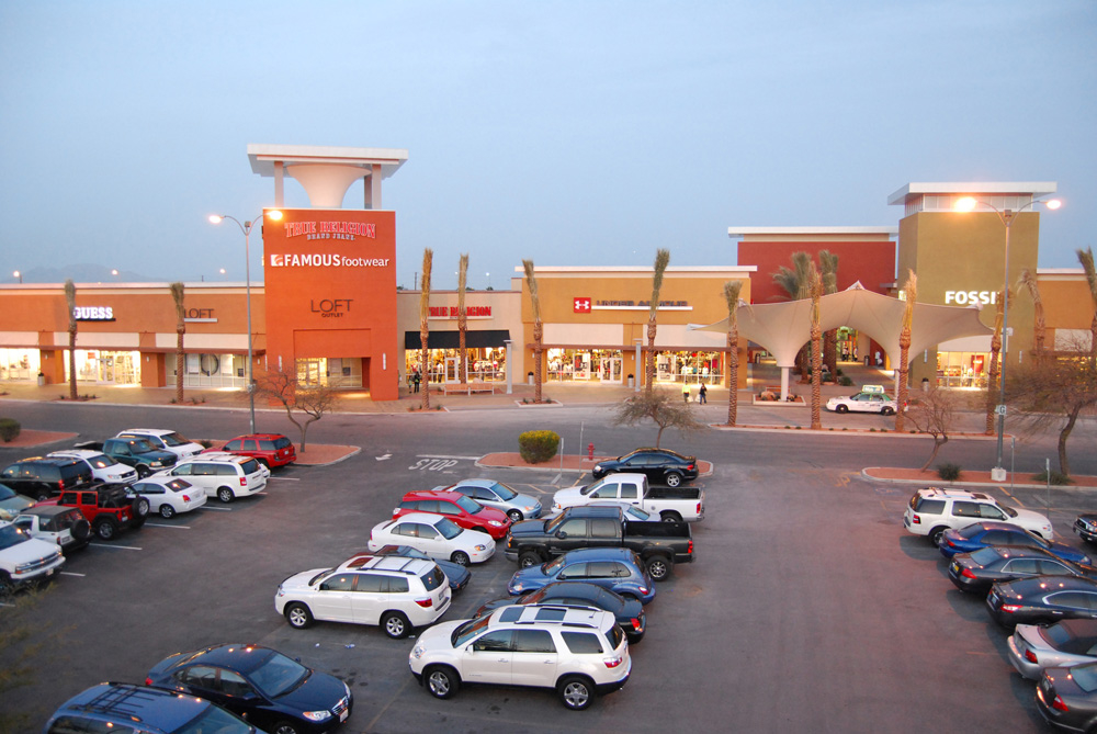 Las vegas south premium outlets in las vegas nv 89123 for Michaels crafts hours of operation