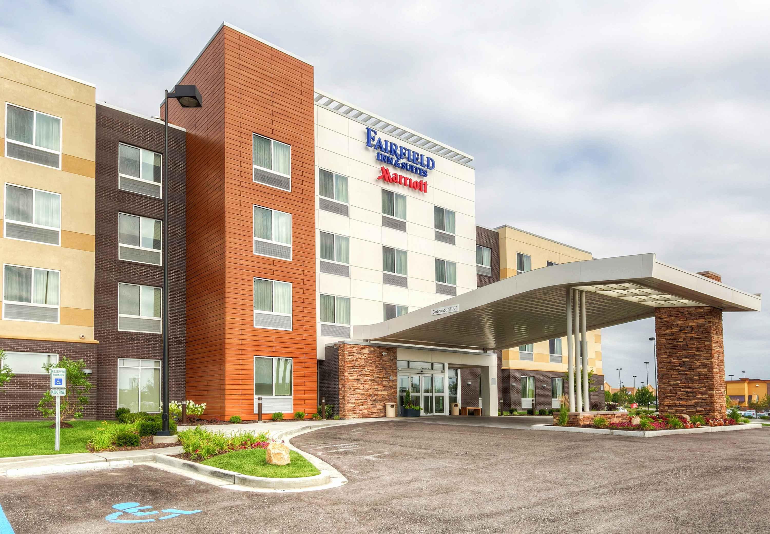 Fairfield inn suites by marriott st louis west The fairfield
