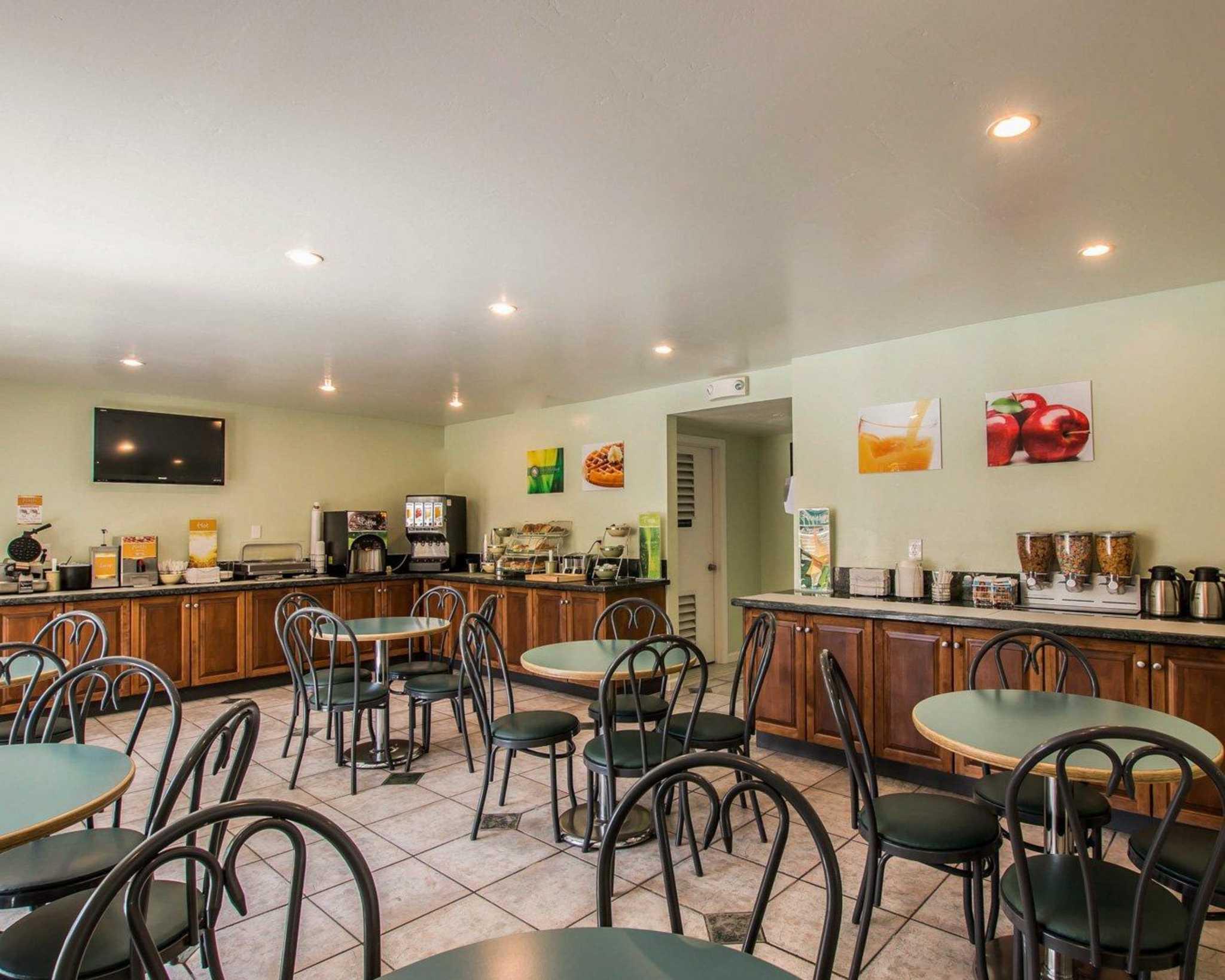 Hotels in Carlsbad CA | Days Inn Carlsbad Legoland