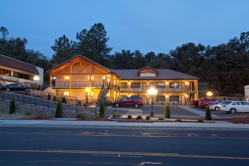 Oakhurst Hotels Motels