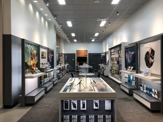 Located in Roseville, California's local hub is the AT&T store at Galleria Boulevard, Suite From the junction of Highway 65 and Interstate 80, take Highway 65 northwest approximate miles, then exit onto Galleria Boulevard and travel south.