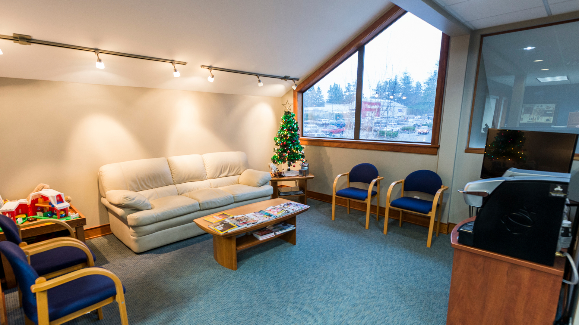 Comox Avenue Dental Centre Comox (250)339-4111